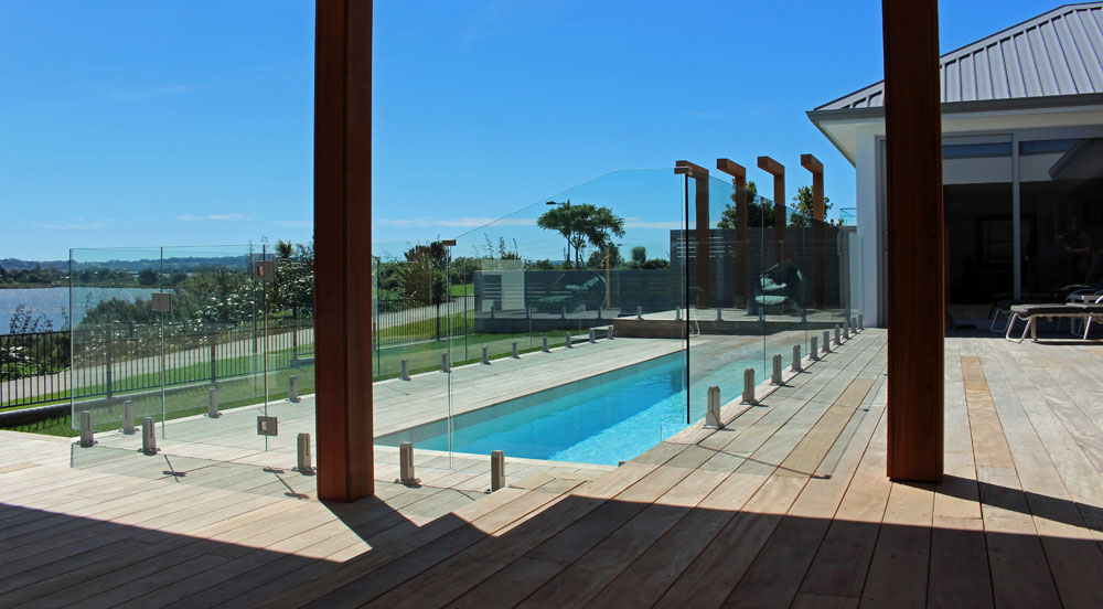 Pool fencing with Mini Post Balustrade for maximising view 3
