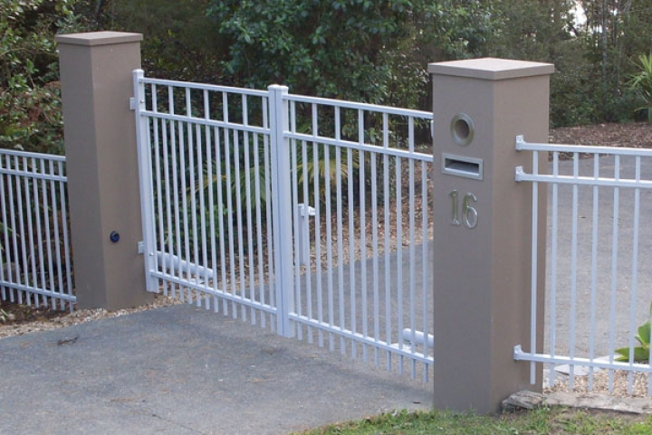 Advante Gates double swing gates with automation